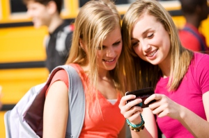 teens-with-cell-phones